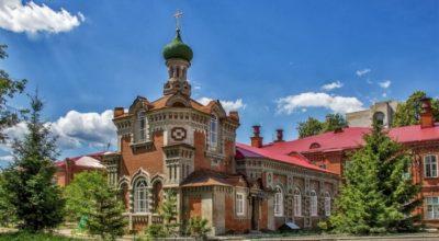 hram-svyatitelya-varsonofiya-kazanskogo-700×467
